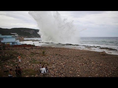 Σαρώνει τα πάντα στην Καραϊβική ο φονικός τυφώνας «Μάθιου»