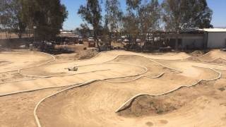 I had the opportunity to go out to a practice day in Madera to get on a real 1/8 track again. Had a lot of fun, which included a local trying out a loss 5ive for the first time.