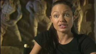 "Tomb Raider 2 ""Training"" - Angelina Jolie *HQ*"