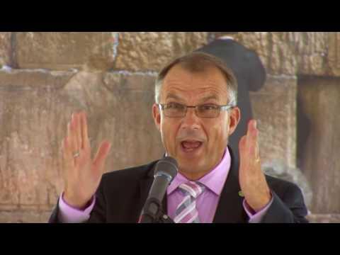 """""""Mi közünk Izraelhez?"""" Konferencia a Dunán. Norbert Lieth prédikációja"""
