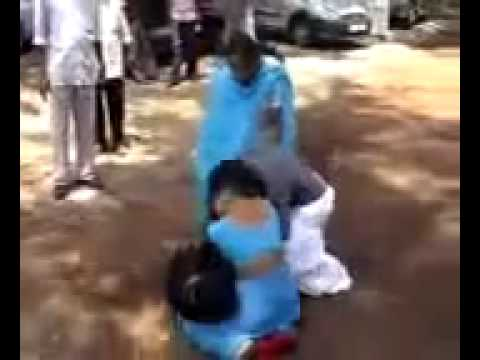 Girls Fight - They Look so stupid.