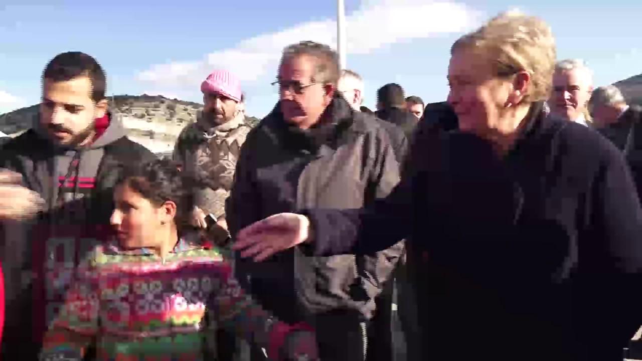 Επίσκεψη Γ.Μουζάλα με την αναπλ. πρωθυπουργό της Ιρλανδίας στο κέντρο υποδοχής προσφύγων Σκαραμαγκά