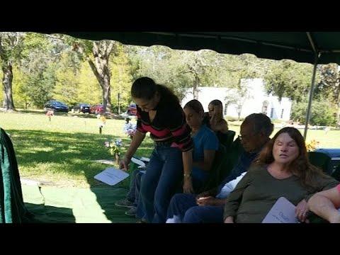 Lois Live: Granny's Funeral (Leona Brock)