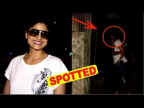 Shamita Shetty Spotted At Kromakay Juhu