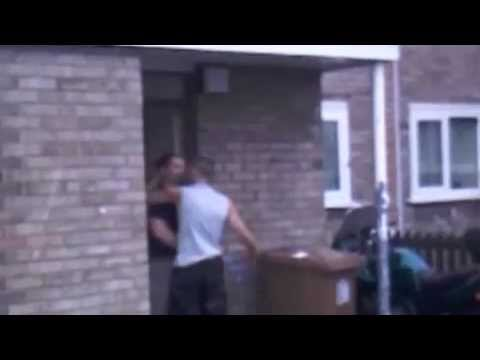 惡霸青年被一拳擊倒!是詠春嗎