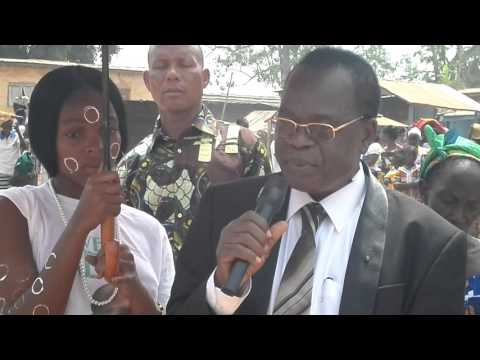 COTE D'IVOIRE: Rémise de dons de la prémière DAME DOMINIQUE OUATTARA à Yorodougou