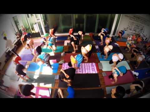 Ashtanga Yoga Primary Series Time Lapse in Bangkok with Kino