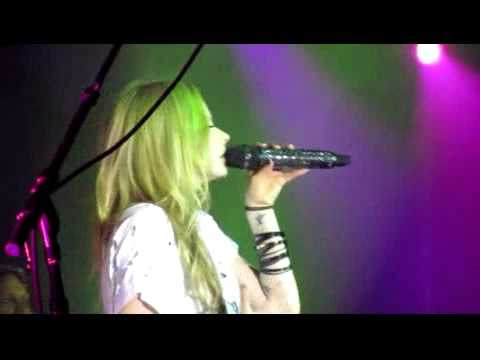 Avril Lavigne When You're Gone Live in Jakarta 11 May 2011 Front Row Version