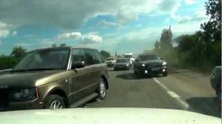 Tak wygląda hardcorowa jazda ukraińską autostradą