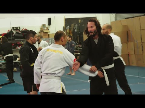 Keanu Reeves training for 'John Wick 3' Behind The Scenes