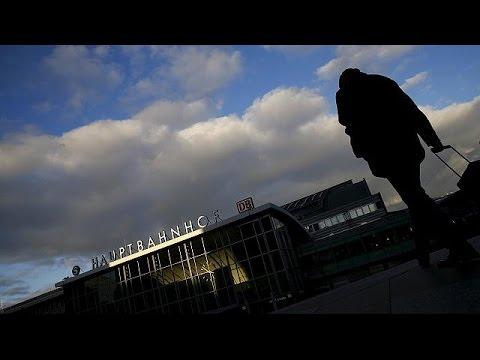 Γερμανία: «Βουτιά» για τη δημοτικότητα της Μέρκελ λόγω προσφυγικού
