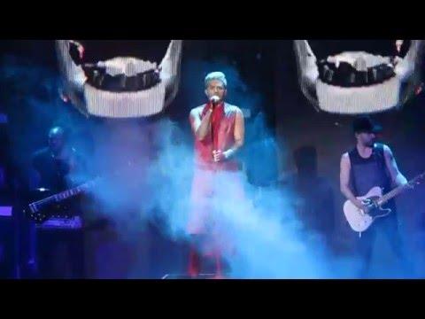 Adam Lambert Sentrum Secene