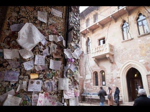 Verona - Messaggi d'amore alla Casa di Giulietta  Love messages Juliet House in Verona