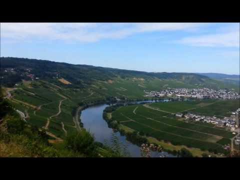 Uitzicht / Aussicht / View over Leiwen / Trittenheim. Zummethöhe a/d Mosel