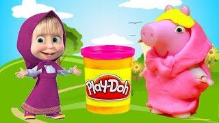 Vamos fazer vestidos e fantasias de massinha Playdoh pra Peppa Pig, da Familia Pig! Ela vai fantasiar de Masha, da Masha e o Urso!!! Tambem tem muitos brinquedos surpresas!  Inscreve-se em ►http://www.happytoystv.net  e não perca os próximos vídeos. Massinhas PlayDoh Patrulha Canina aprendendo as cores abrindo brinquedos surpresas em portugues! Peppa é uma porquinha linda e amorosa tem 5 anos de idade e adora se divertir com seus pais, Papai Pig e Mamãe Pig , e seu irmãozinho George.Ela adora brincar de se fantasiar e passa o dia saltando entre poças de lama ao redor de sua casa. Suas aventuras sempre terminam com muitas gargalhadas!George Pig - irmão de 3 anos de Peppa, que adora brincar com sua irmã mais velha. Seu brinquedo favorito é um dinossauro, que ele leva para toda parte. Costuma chorar quando se assusta ou quando perde o seu amigo dinossauro.Masha e o Urso (Маша и Медведь, no original) é uma série de desenho animado russa, em animação computadorizada produzida pela Animaccord Studios. Em 2016, durante a produção da terceira temporada da série foi confirmado de que a animação terá um novo filme baseado no desenho previsto para estrear em dezembro do mesmo ano.A série é baseada em um conto de fadas do folclore russo e mostra o cotidiano de uma pequena menina travessa que vive em meio a uma floresta, Masha. Ela vive com seu amigo urso num bosque, o qual age como uma figura responsável e que tem que suportar as travessuras que a menina faz. O desenho usa um estilo de comédia similar a desenhos mudos como Pingu e Bernard, embora possua uns poucos diálogos da personagem Masha.No Brasil, a animação é transmitida nos canais TV Cultura, SBT, Boomerang e Cartoon Network.Para não perder nenhum vídeo, inscreva-se:  http://www.happytoystv.netMassinhas PlayDoh Patrulha Canina Brinquedos Surpresas aprendendo as CORES em Portugues e Ingleshttps://www.youtube.com/watch?v=QioMrmCb1Jk&list=PLFXYQt91YLM9c_9EeooZy6DMVRsuC394UPatrulha Canina Peppa Pig Super Wings Brinquedos Ba