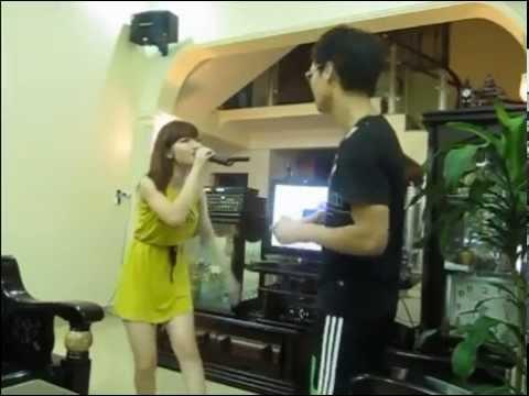 Gái xinh hát karaoke tại nhà - mời các