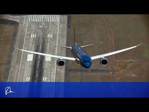 Boeing 787 Jumbo Jet Takes Off Almost Completely