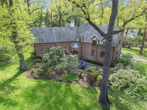 1 Hillbury Rd, Essex Fells, NJ 07021