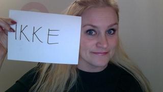 Her snakker jeg om hvordan vi bruker ordet IKKE på norsk og hvordan du plasserer ordet riktig i setninger :-)