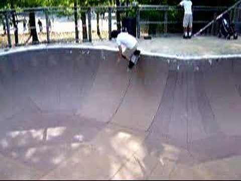 Brooks Park Skateboarding 4/2006