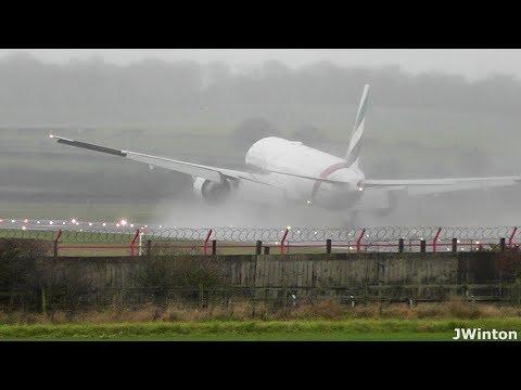 «Боинг-777»  заход на второй круг из-за мощного бокового ветра
