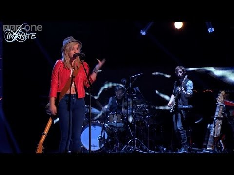 "[Lyrics+Vietsub] Beth McCarthy – ""Sexy And I Know It"" (LMFAO) – The Voice UK 2014 – Blind Auditions"