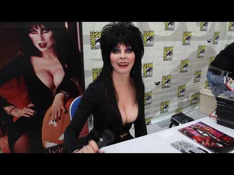 Elvira Comic-con What Makes You Laugh?