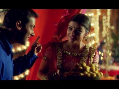 Video Salman Khan & Aishwarya Rai get candid | Hum Dil De Chuke Sanam download in MP3, 3GP, MP4, WEBM, AVI, FLV January 2017