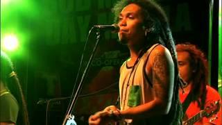 Download Lagu ENGKANTO - Tubig Alat (Bob Marley Day Manila 2014) Mp3