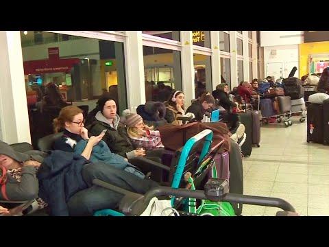 London Gatwick: Drohnen legen Flughafen lahm