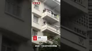 Babcia puszcza 7 letniego wnuka z 5 piętra, żeby uratować jej kota