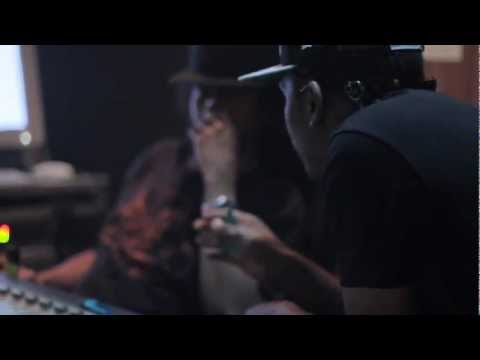 """Busy Signal ft. Damian """"Jr. Gong"""" Marley - Kingston Town [Remix] 