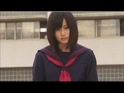 Tekst piosenki AKB48 - Majisuka Rock 'N' Roll po polsku