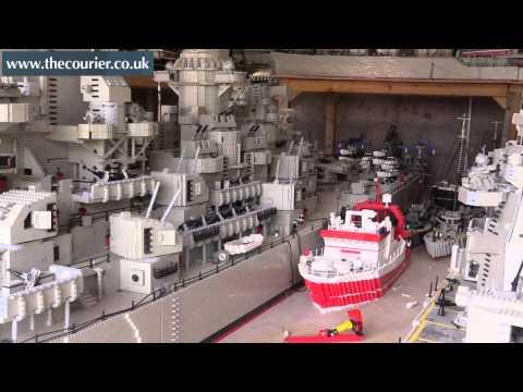 這位大叔花3年打造的「巨型樂高戰艦」以為是世界上最大,沒想到完成後才驚覺被別人擺了一道啊!