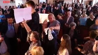 Sandomierz Wygwizdał Beatę Szydło na proteście przeciw łamaniu prawa!