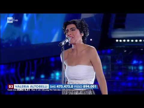 Valeria Altobelli è Mia Martini:
