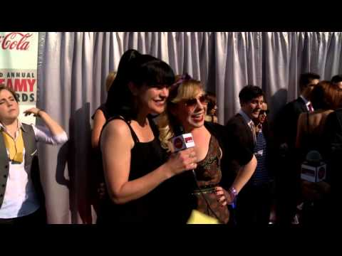 Pauley Perette and Kirsten Vangsness Red Carpet Interview - Streamy's 2013