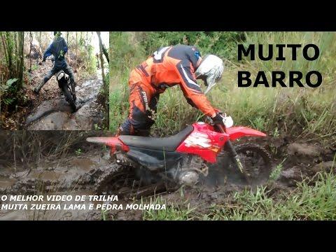 TRILHA DE NX 150 CRF - TRILHA DEPOIS DA CHUVA MUITO BARRO E PEDRA MOLHADA BARRO NOS OIO