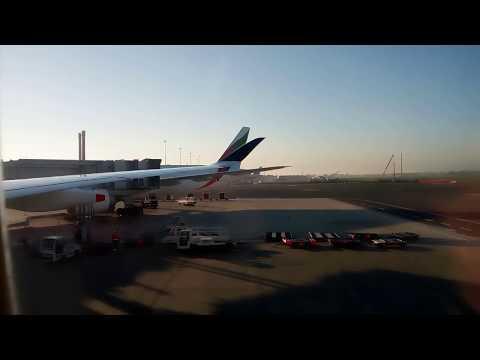 13/10/2017 Singapore Airline Airbus 350 9V-SMO landing in Rome Fiumicino SIN FCO