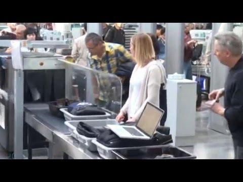 Μ.Βρετανία: Απαγορεύει στους επιβάτες που ταξιδεύουν αεροπορικώς από 6 χώρες της Μ. Ανατολής τη…