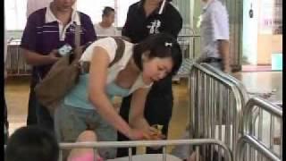 Rosa thăm trung tâm trẻ khuyết tật Biên hòa