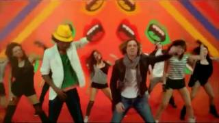 K'naan Ft. David Bisbal   Waving' Flag (Official song of the world cup South Africa 2010)