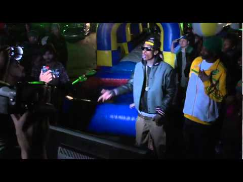 Snoop Dogg Ft Wiz Khalifa & Bruno Mars  -  Young, Wild & Free (Behind The Scenes)
