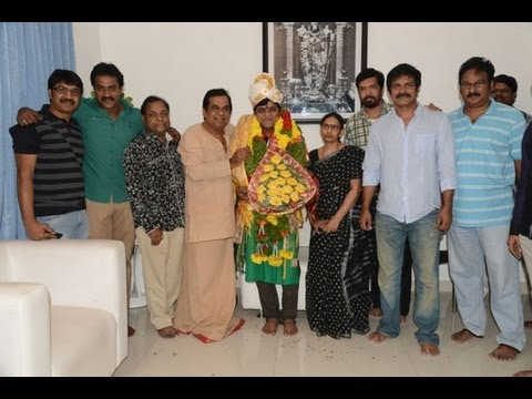 Brahmanandam Felicitates Ali - Video