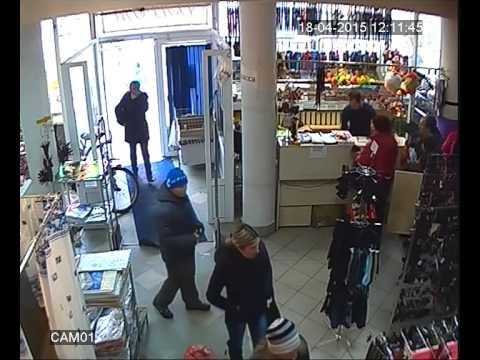 ВЛуки.ру: В Великих Луках устанавливаются личности похитительниц кошелька