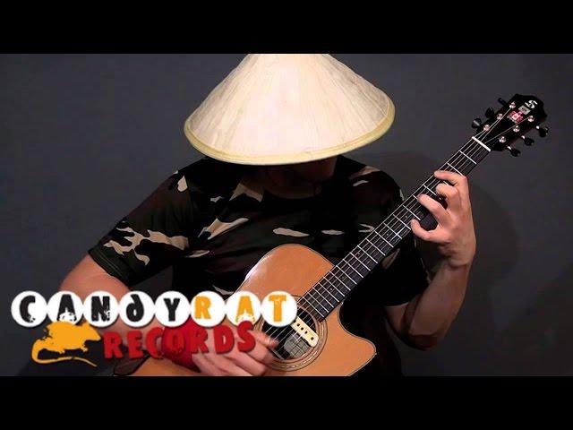 Đội nón lá đánh guitar siêu đỉnh