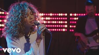 Izzy Bizu - Izzy Bizu performs 'White Tiger' - BRITs 2016 Critics' Choice Sessions - YouTube