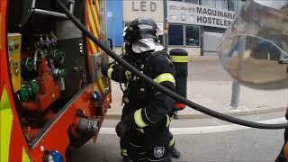 Extinción de incendio en furgoneta por Bomberos Fuenlabrada