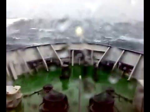 Капитанский мостик: шторм в Баренцевом море