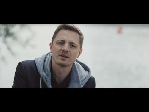 Ondřej Ruml - Štěstí zdraví aneb Tak trochu vánoční píseň (oficiální video)